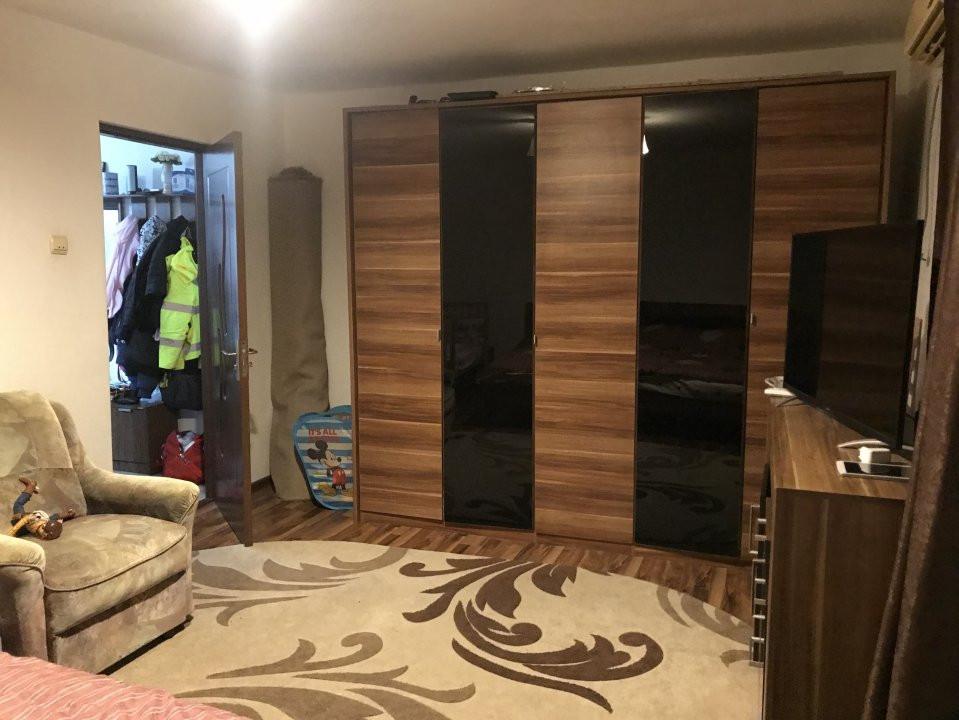 Apartament spatios, 2 camere, decomandat, de vanzare, zona Bucovina 3