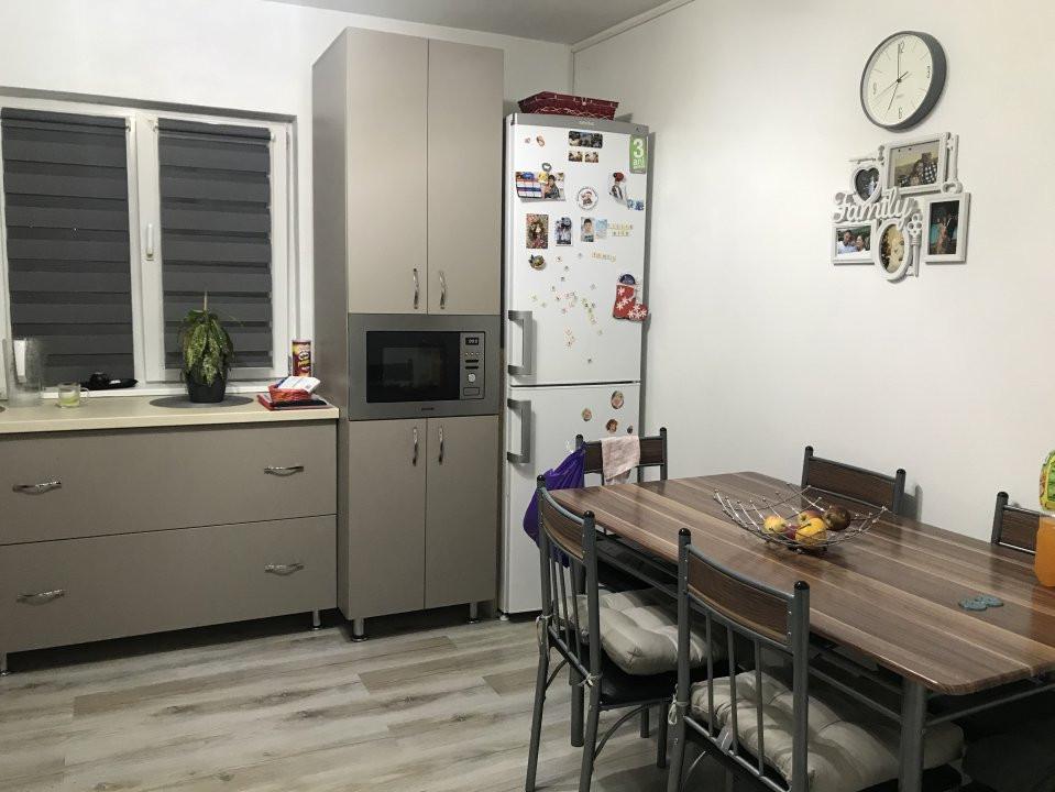 Apartament spatios, 2 camere, decomandat, de vanzare, zona Bucovina 6