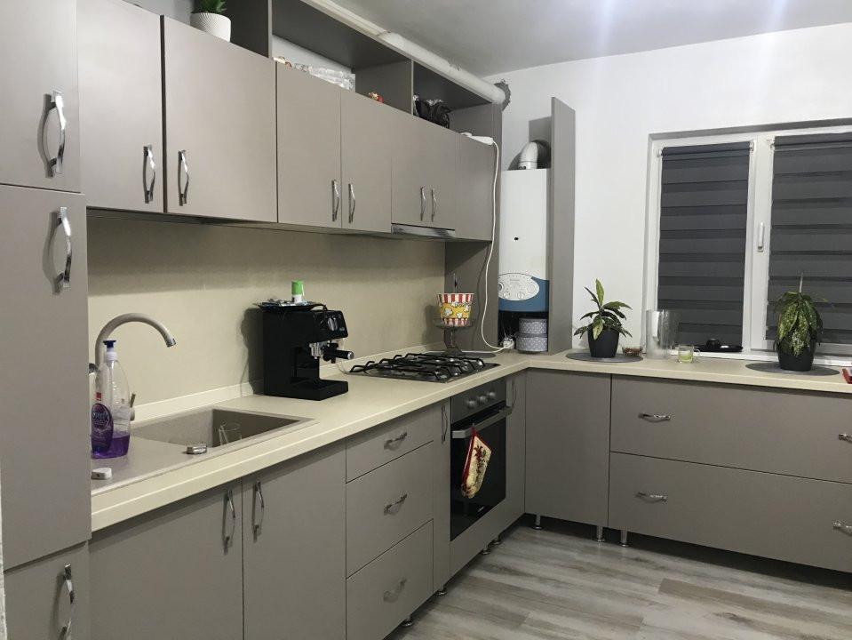 Apartament spatios, 2 camere, decomandat, de vanzare, zona Bucovina 7