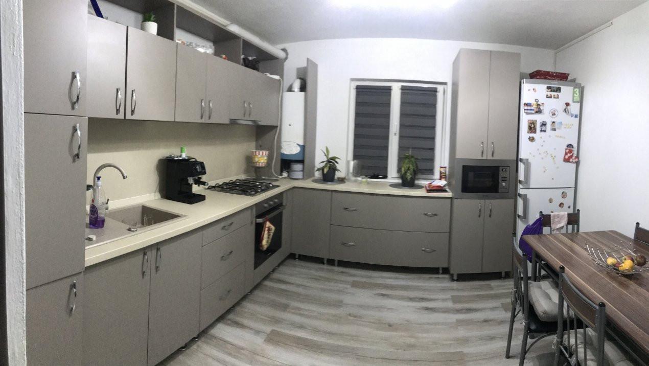 Apartament spatios, 2 camere, decomandat, de vanzare, zona Bucovina 8