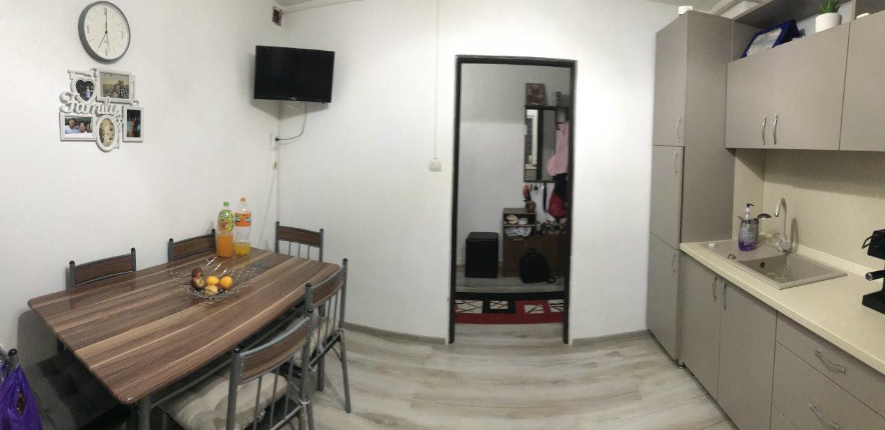 Apartament spatios, 2 camere, decomandat, de vanzare, zona Bucovina 9