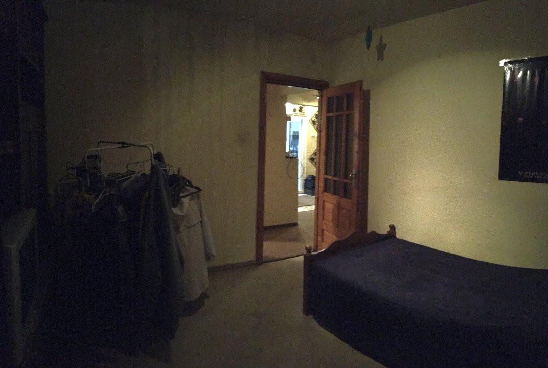 Apartament cu 3 camere, semidecomandat, de vanzare, zona Lipovei. 5