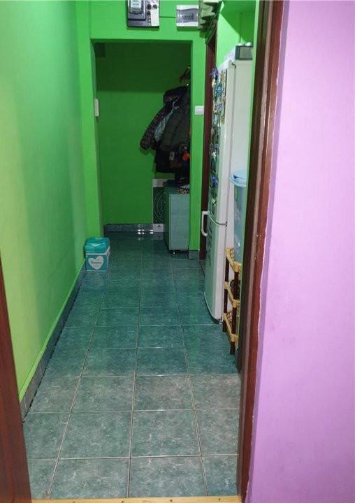 Apartament cu 2 camere, semidecomandat, de vanzare, zona Circumvalatiunii 7