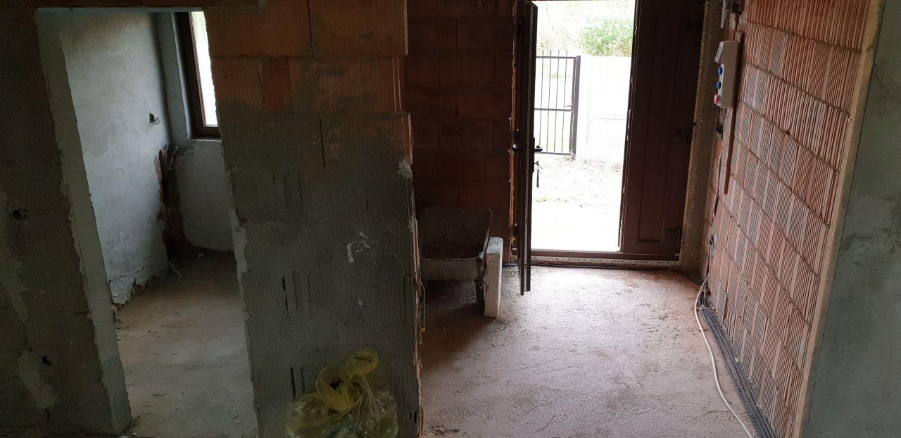 Casa individuala de vanzare 5 camere in Mosnita Noua - ID V153 12