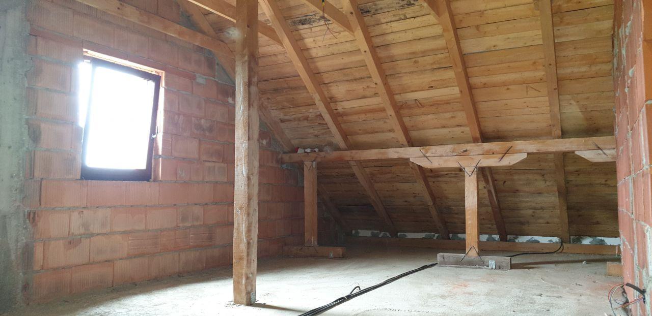 Casa individuala de vanzare 5 camere in Mosnita Noua - ID V153 17