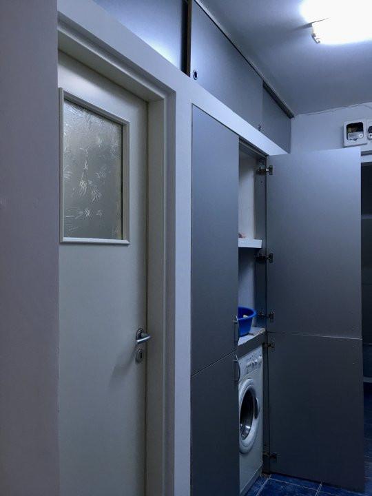 Apartament cu 3 camere, semidecomandat, de vanzare, zona Lipovei. 8