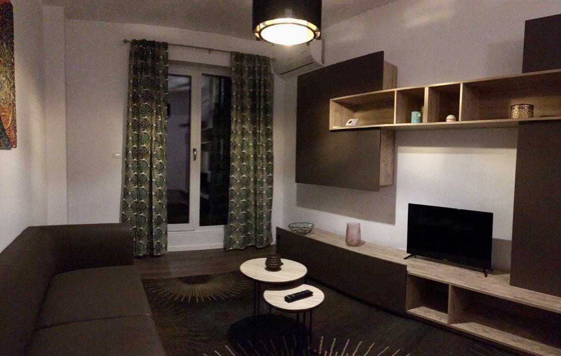 Apartament cu 1 camera decomandat, de inchiriat, zona Torontalului. 1