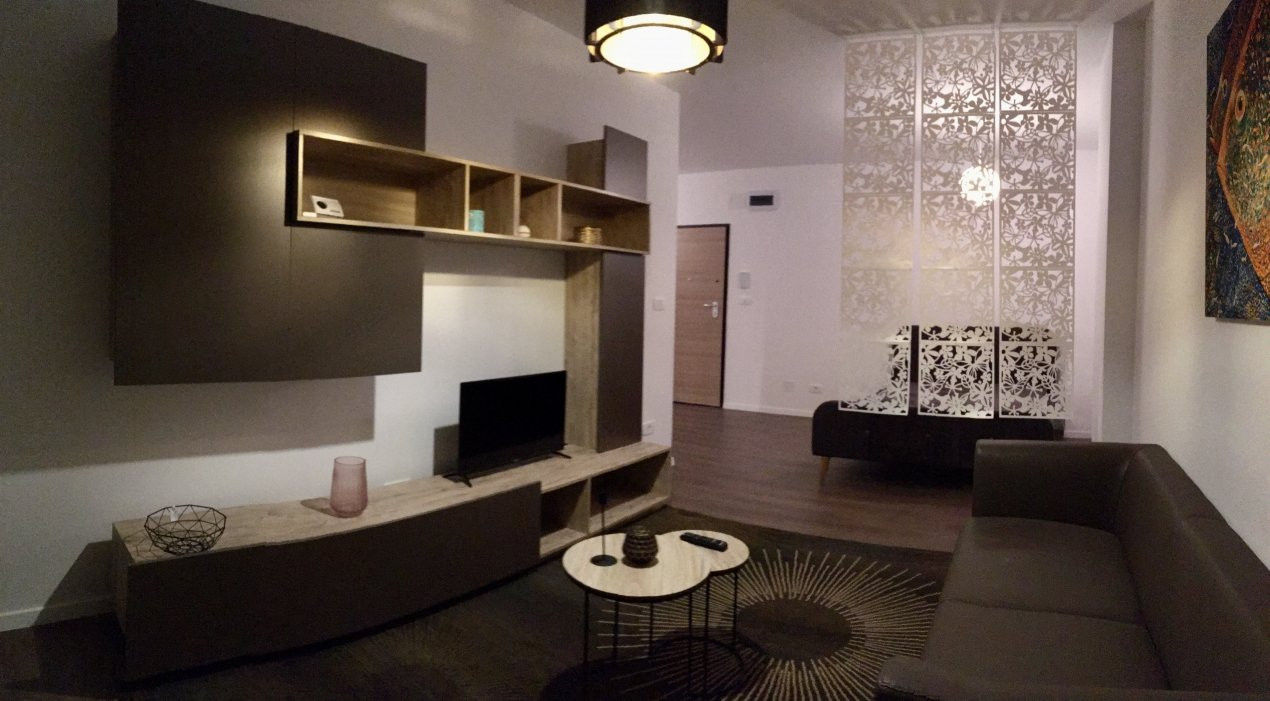 Apartament cu 1 camera decomandat, de inchiriat, zona Torontalului. 2