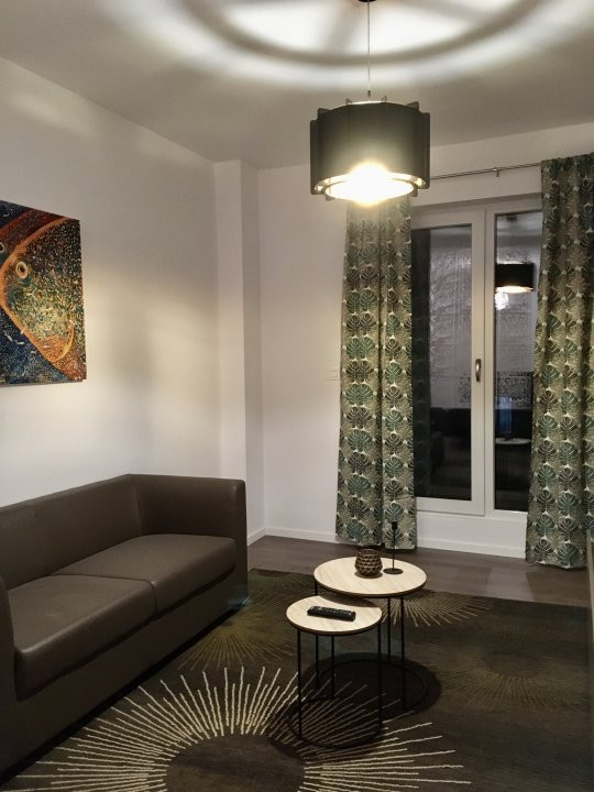 Apartament cu 1 camera decomandat, de inchiriat, zona Torontalului. 3