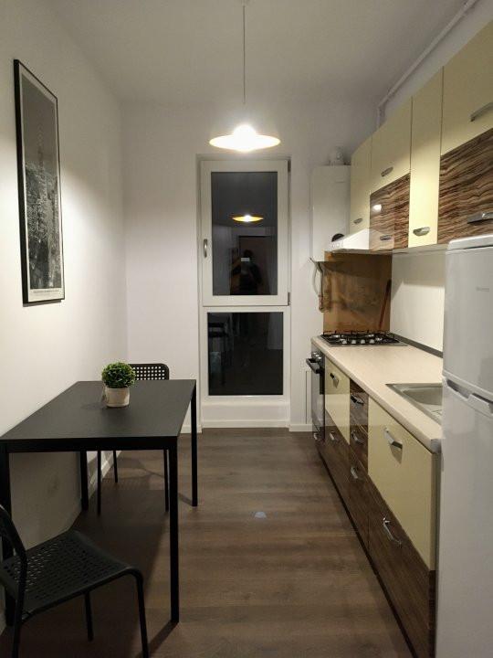 Apartament cu 1 camera decomandat, de inchiriat, zona Torontalului. 6