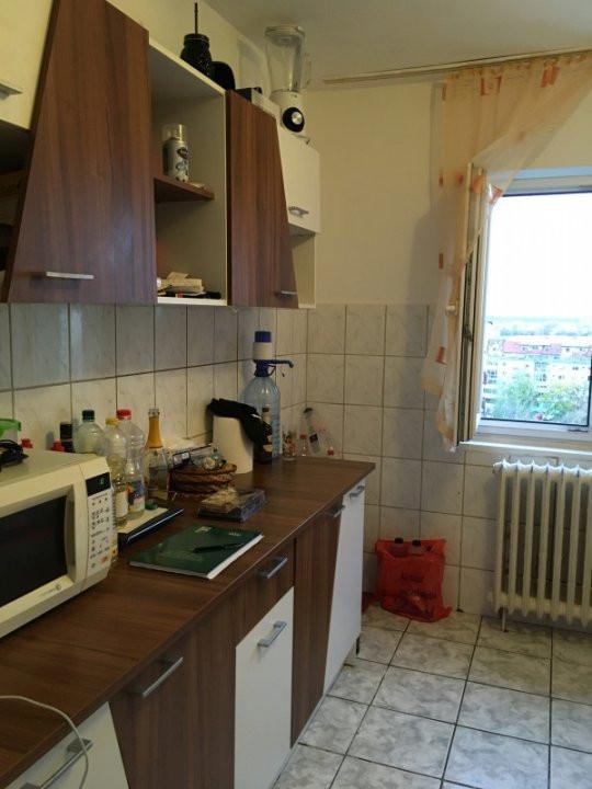 Apartament cu 3 camera, semidecomandat, de vanzare, zona Torontalului. 7