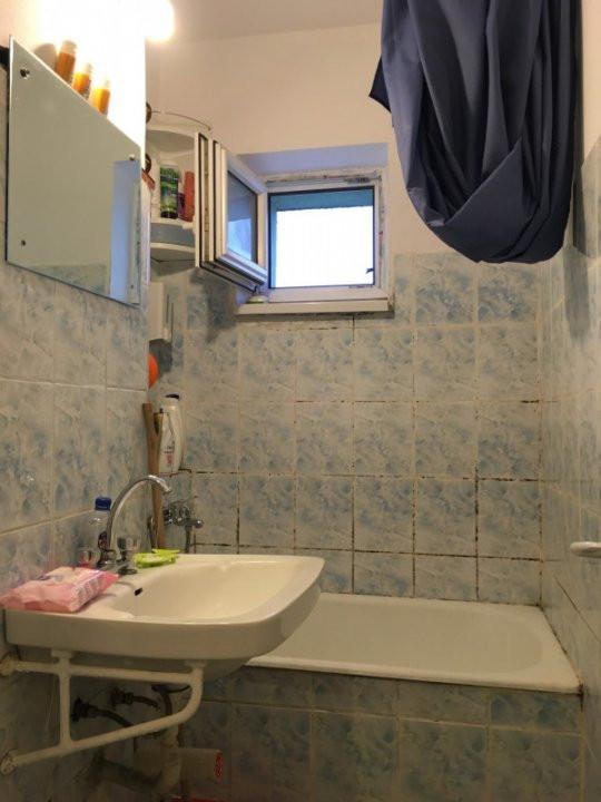 Apartament cu 3 camera, semidecomandat, de vanzare, zona Torontalului. 8