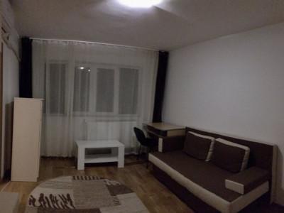 Apartament cu 2 camere, semidecomandat, de vanzare, zona Dacia.