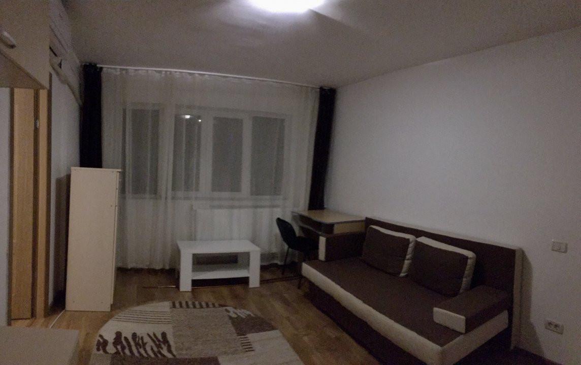 Apartament cu 2 camere, semidecomandat, de vanzare, zona Dacia. 1