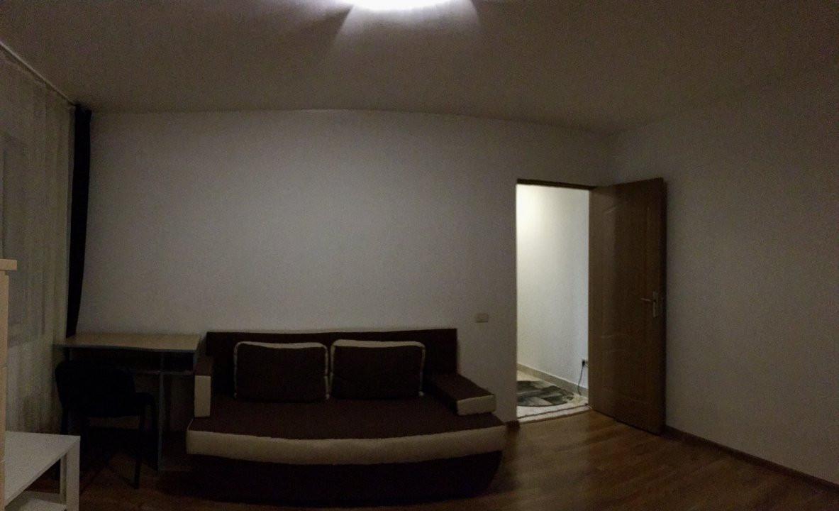 Apartament cu 2 camere, semidecomandat, de vanzare, zona Dacia. 3