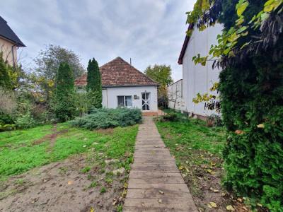 Casa cu gradina spatioasa de inchiriat in zona Lipovei (Timisoara) - C836
