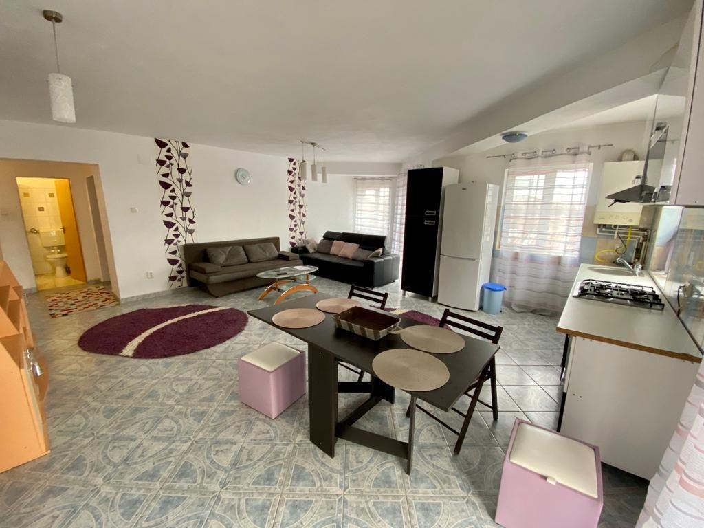 Apartament 3 camere de vanzare Zona Modern - ID V150 2