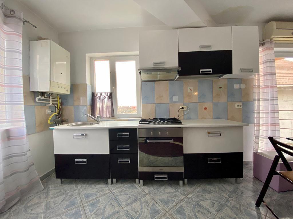 Apartament 3 camere de vanzare Zona Modern - ID V150 3