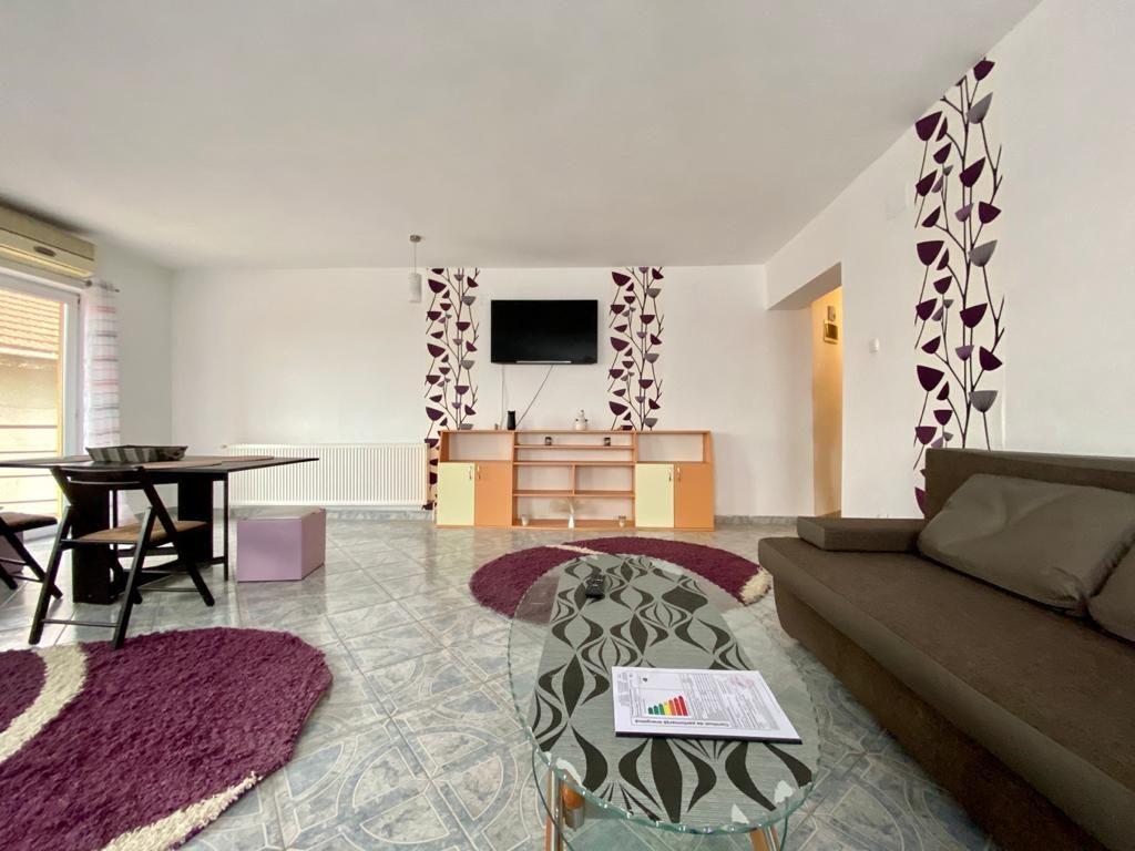 Apartament 3 camere de vanzare Zona Modern - ID V150 8