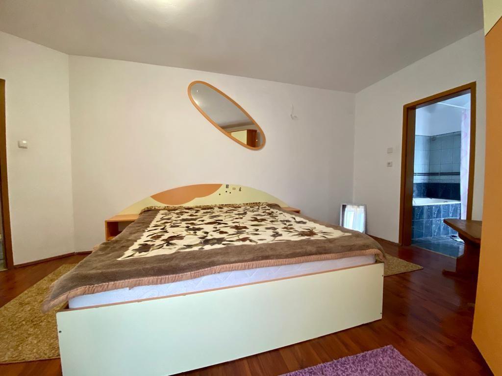 Apartament 3 camere de vanzare Zona Modern - ID V150 9