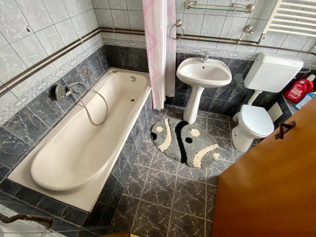 Apartament 3 camere de vanzare Zona Modern - ID V150 10