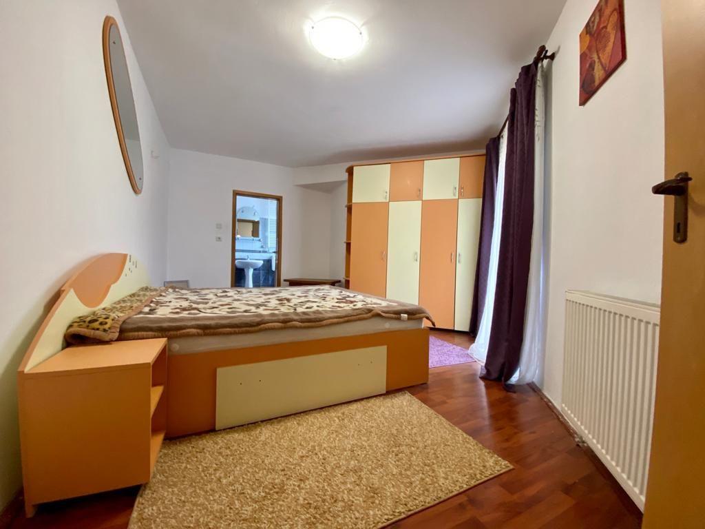 Apartament 3 camere de vanzare Zona Modern - ID V150 12