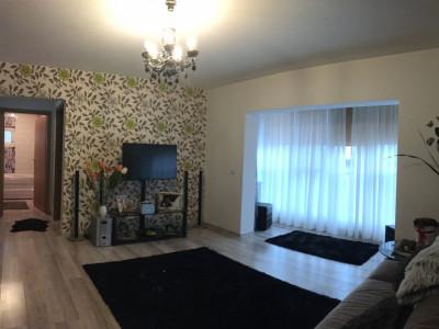 Apartament cu 2 camere, semidecomandat, de vanzare, zona Aradului.