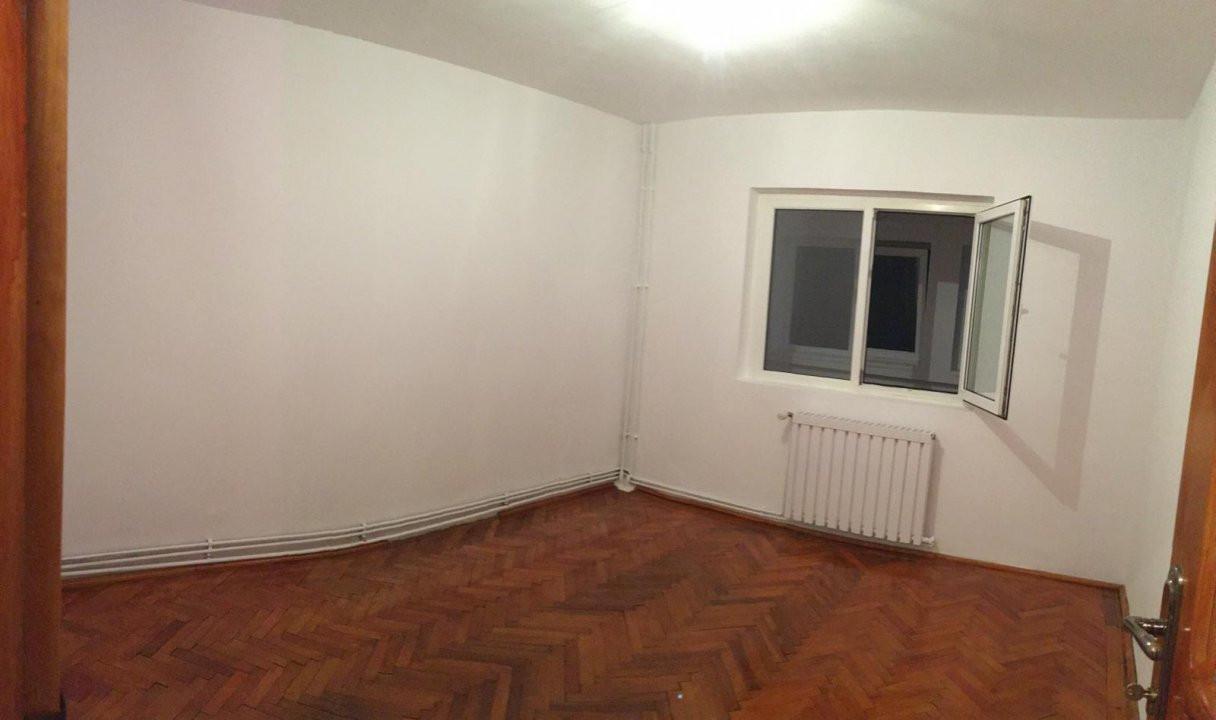 Apartament cu 2 camere, decomandat, de vanzare, zona Aradului. 4
