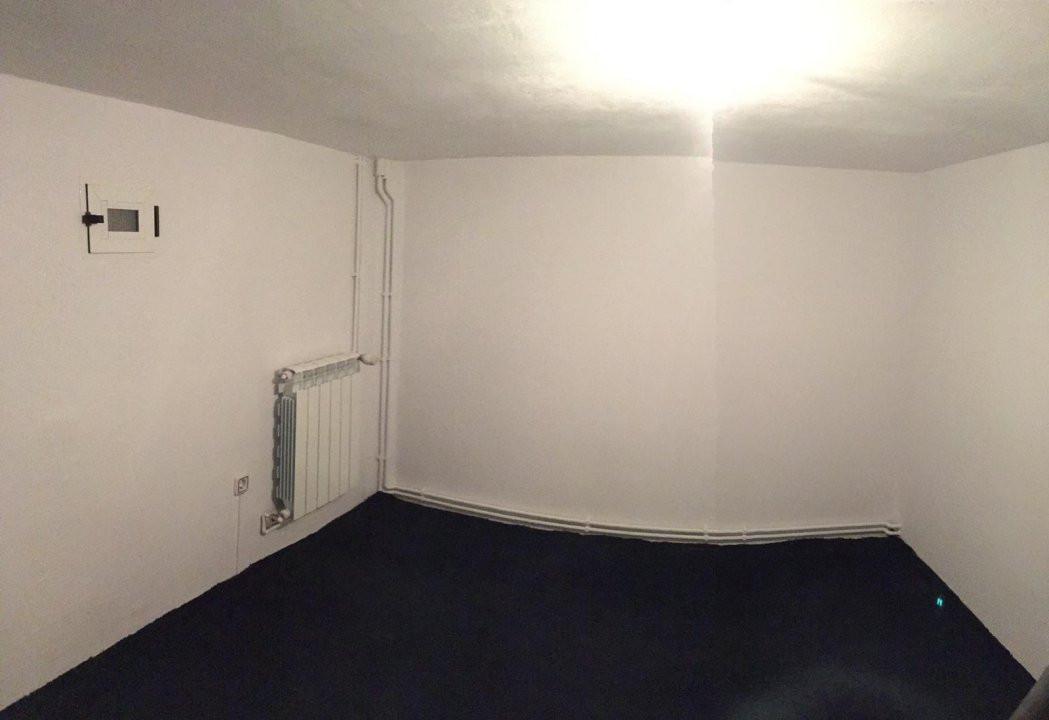 Apartament cu 2 camere, decomandat, de vanzare, zona Aradului. 5