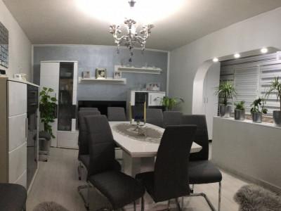 Apartament cu 3 camere, decomandat, de vanzare, Gheorghe Lazar.