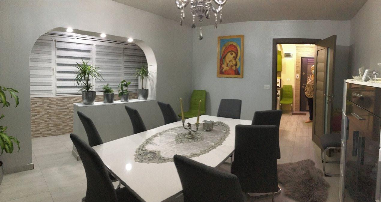 Apartament cu 3 camere, decomandat, de vanzare, Gheorghe Lazar. 4