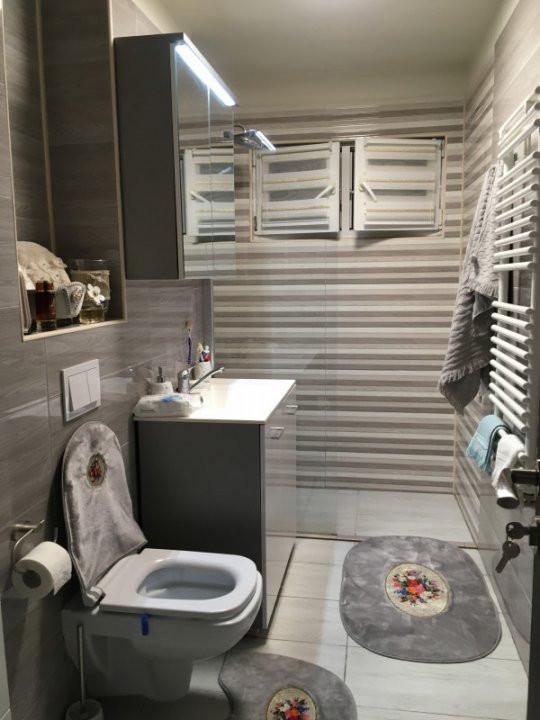 Apartament cu 3 camere, decomandat, de vanzare, Gheorghe Lazar. 9