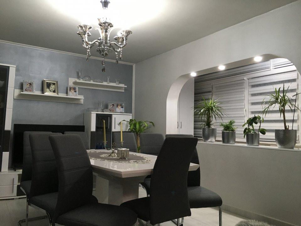 Apartament cu 3 camere, decomandat, de vanzare, Gheorghe Lazar. 14