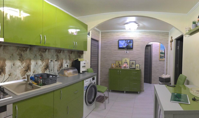 Apartament cu 3 camere, decomandat, de vanzare, Gheorghe Lazar. 18