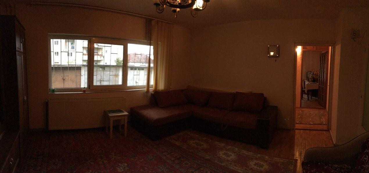 Apartament cu 2 camere, semidecomandat, de vanzare, zona Bucovina. 2