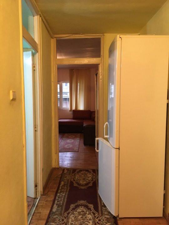 Apartament cu 2 camere, semidecomandat, de vanzare, zona Bucovina. 12