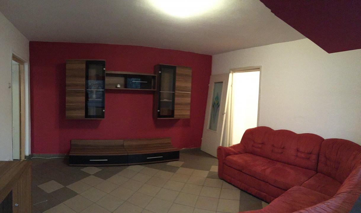 Apartament cu 2 camera, semidecomandat, de vanzare, zona Torontalului. 2