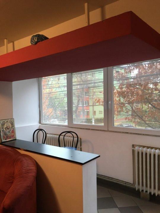Apartament cu 2 camera, semidecomandat, de vanzare, zona Torontalului. 3