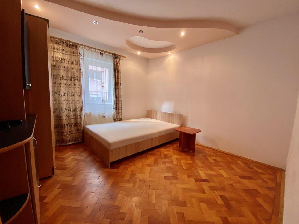Apartament 3 camere   Centrala Proprie   Zona Girocului   Semidecomandat 1
