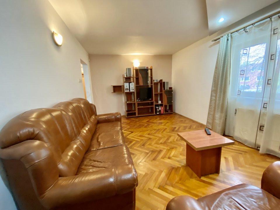 Apartament 3 camere   Centrala Proprie   Zona Girocului   Semidecomandat 3