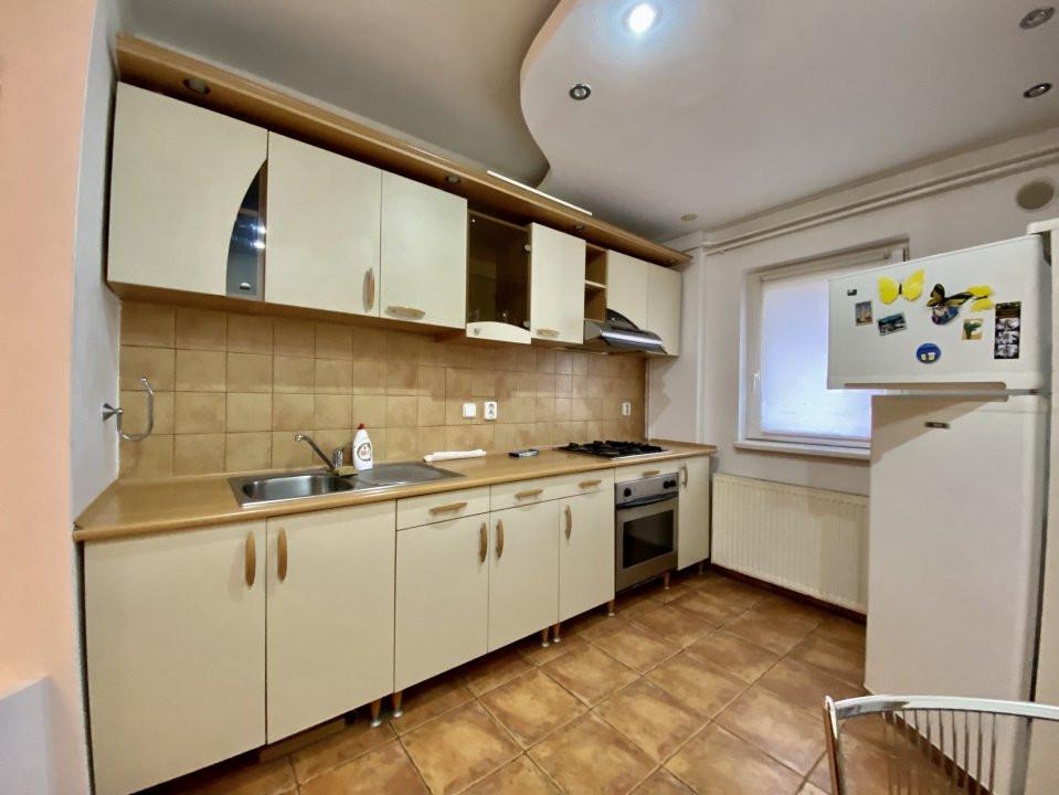 Apartament 3 camere   Centrala Proprie   Zona Girocului   Semidecomandat 4