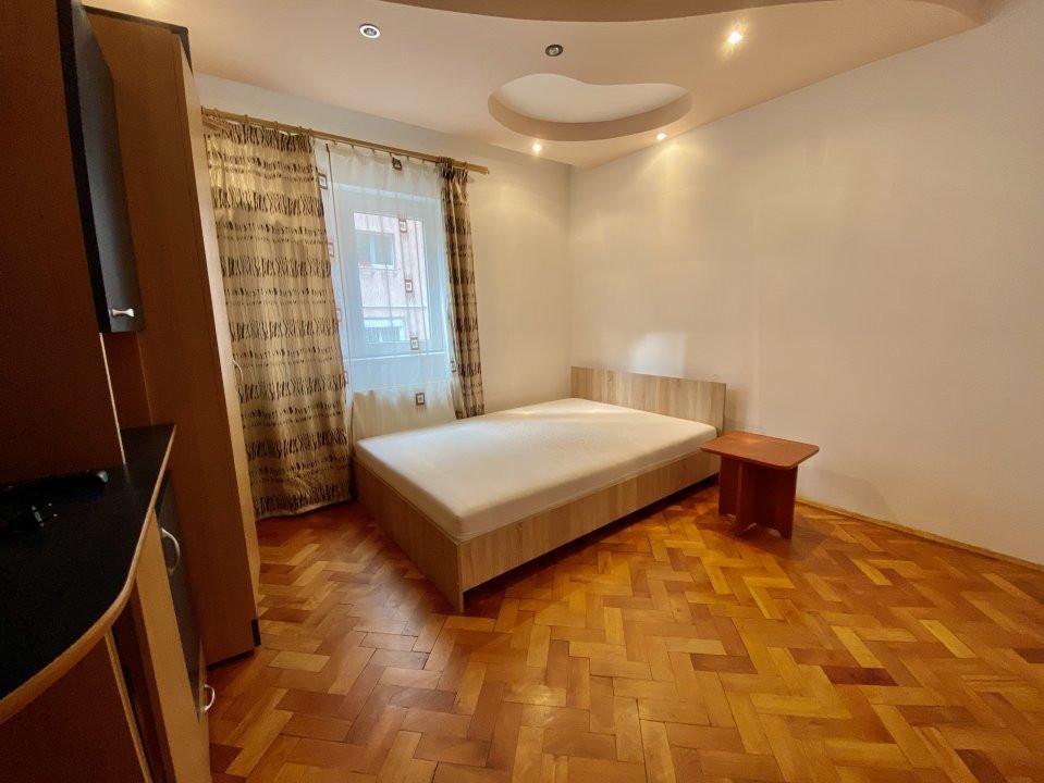 Apartament 3 camere   Centrala Proprie   Zona Girocului   Semidecomandat 9