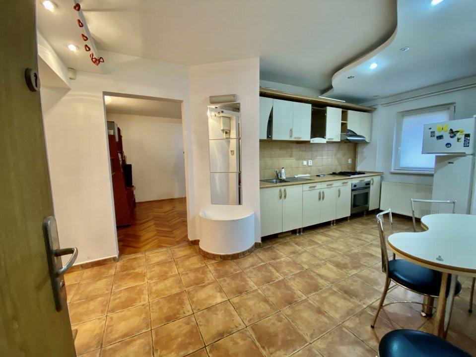 Apartament 3 camere   Centrala Proprie   Zona Girocului   Semidecomandat 12