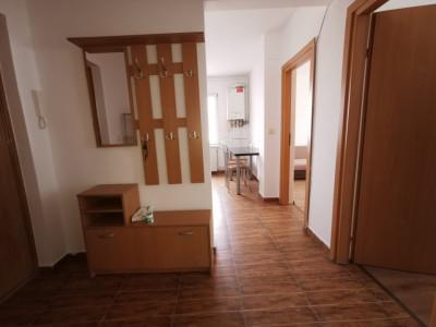 Apartament de inchiriat, cu doua camere in zona Spitalul Judetean.