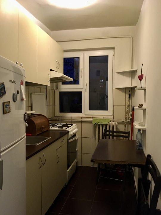 Apartament cu 2 camere, semidecomandat, de inchiriat, zona Dacia. 7