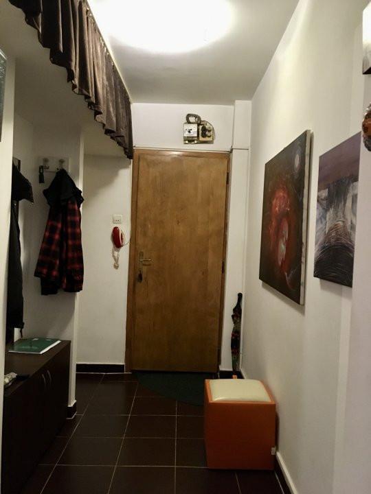 Apartament cu 2 camere, semidecomandat, de inchiriat, zona Dacia. 9