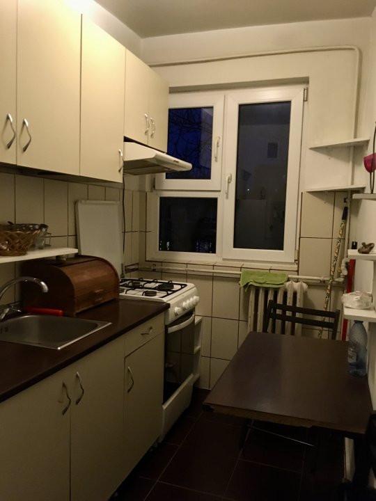 Apartament cu 2 camere, semidecomandat, de inchiriat, zona Dacia. 10