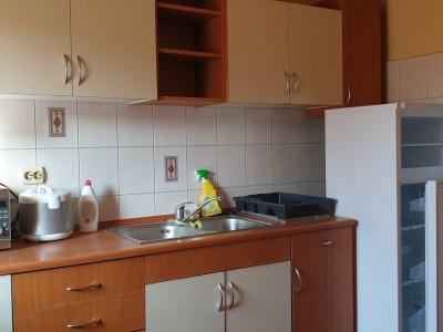 Apartament 3 camere de inchiriat Complex Studentesc