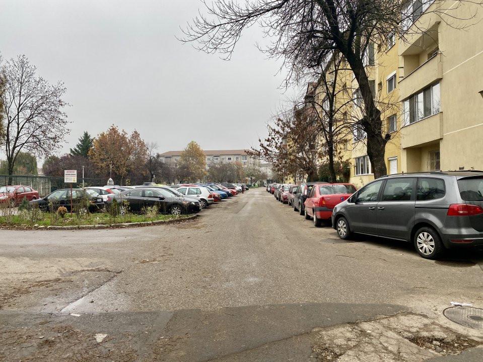 Mobilat si utilat, bloc anvelopat, zona Girocului - V887 21