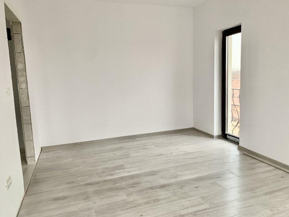 Apartament cu doua camere de vanzare | Centrala proprie | Decomandat | Giroc 3